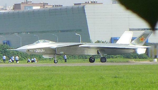 中国战斗机J20第2012号原型机
