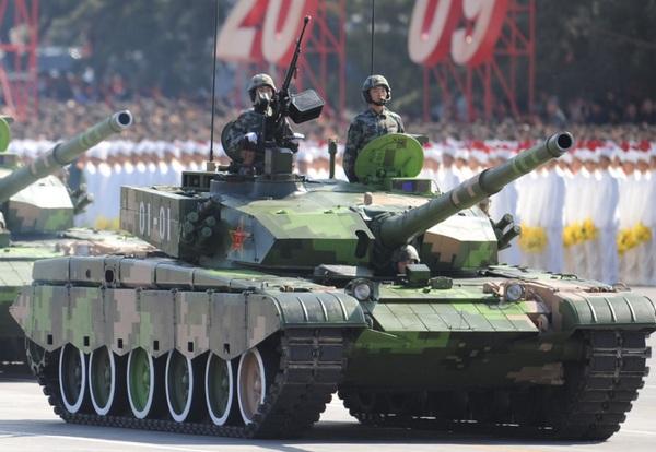 2009年阅兵时使用的二期改进型99坦克